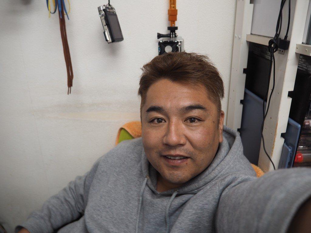 髪きりました。良いお年を。