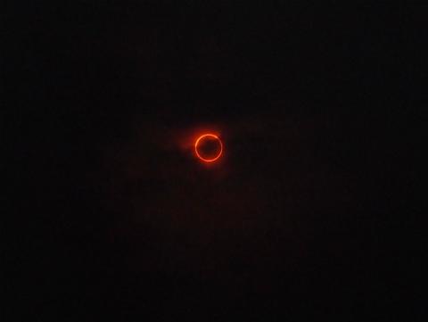 金環日食見れましたね☆